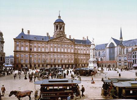 Piazza Dam agli inizi del 1900