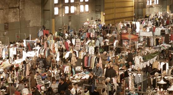 Il Vlooienmarkt quando si svolge al coperto