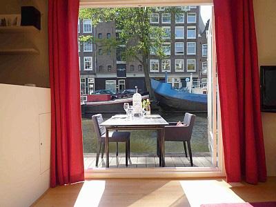 Vacanze originali ad amsterdam soggiornare in una casa for Amsterdam case in vendita